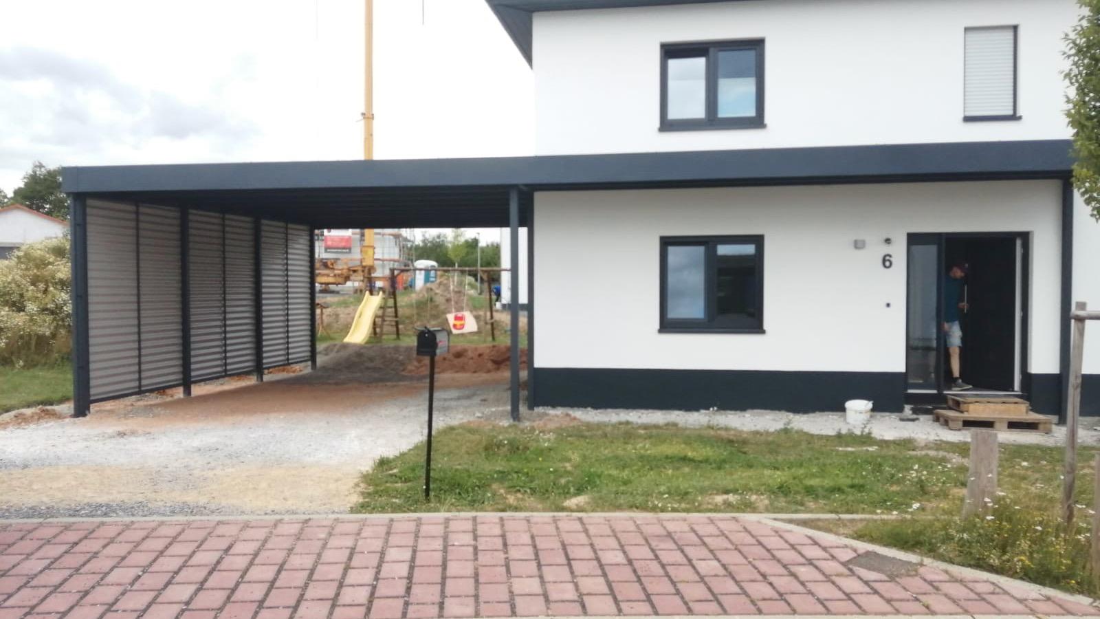 Carport mit Eingangsüberdachung - Carportmaster Projekt 20-C-2607 - 97892 Kreuzwertheim - Carportbild 03