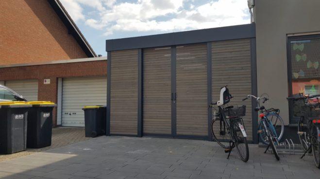 Fahrradschuppen - Carportmaster Projekt 20-C-2415 - 51105 Köln - Bild 01 - Fahrradschuppen mit Doppel-Schiebetür für eine komfortable tägliche Nutzung