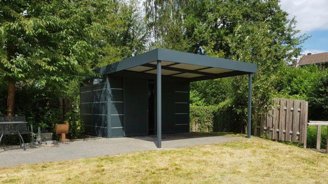 Gartenhaus - Carportmaster - Projekt 19-P-2443 - 45478 Mülheim - Bild 01 - Gartenhaus mit Wandverkleidung aus Aluminium mit Dekorleisten
